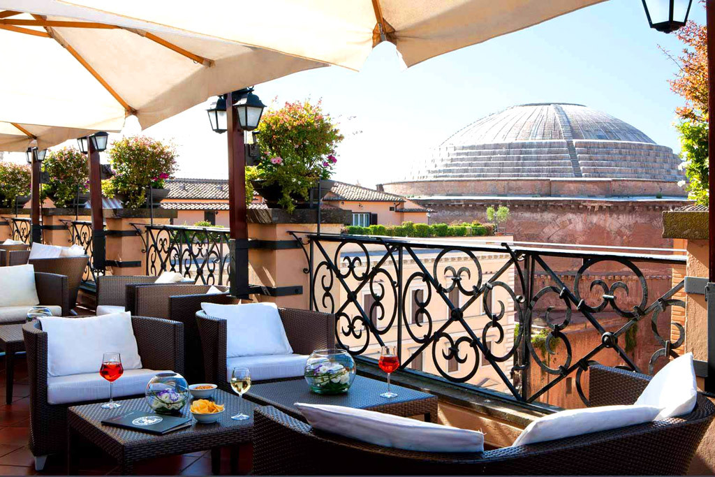 Rooftop Bars In Rome. The Great Beauty At Your Feet!