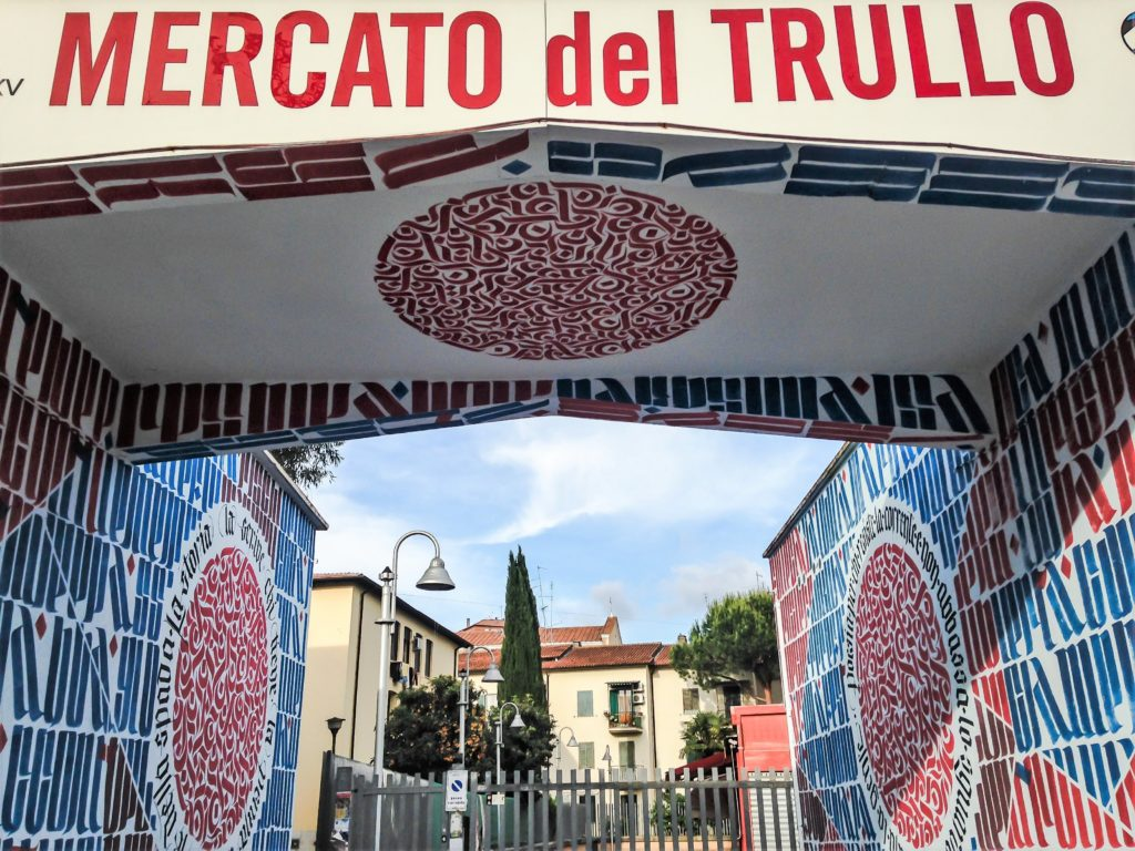 mercato del trullo street art calligraffiti