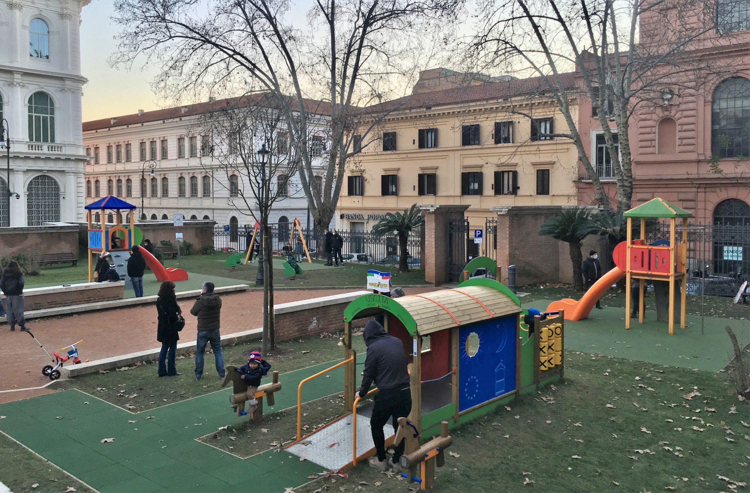 area giochi giardini piazza dante