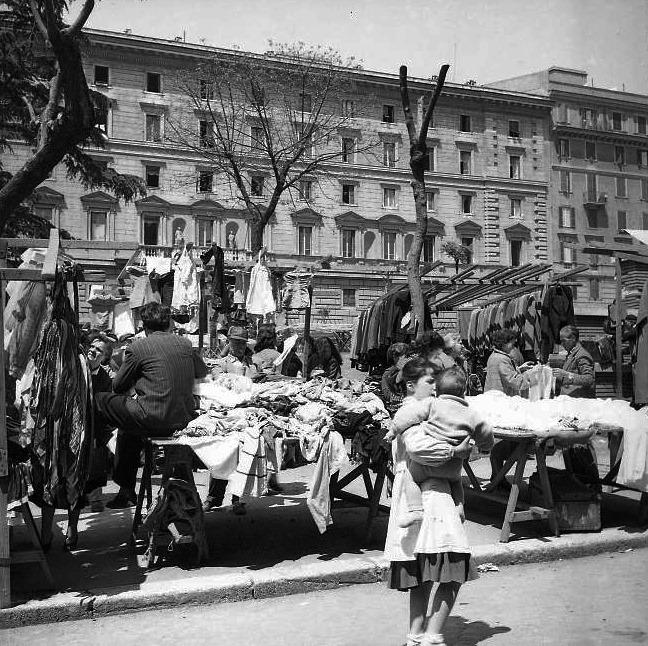 piazza dante mercato anni cinquanta